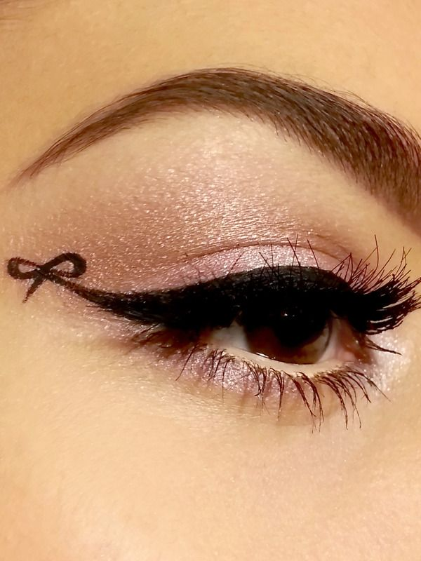 Exquisite Cat Eye With Bow by Chassy Dimitra