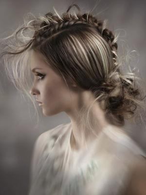 Romantic_Faux_Hawk_by_Anna_Pacitto_of_Canada;_Photographer:_Ara_Sassoonian_