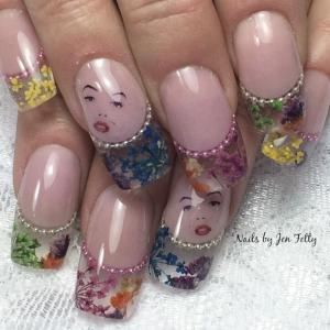 French_manicure_with_dried_flower_tips_