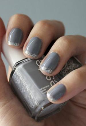 French_manicure_in_gray_with_silver_tips_