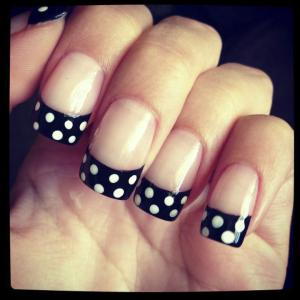 French_manicure_with_polka_dot_tips_