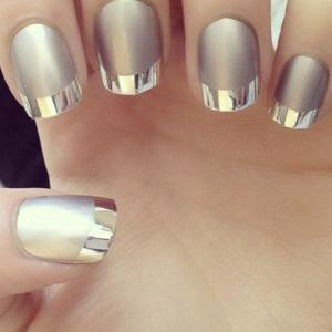 French_manicure_in_silver_chrome_