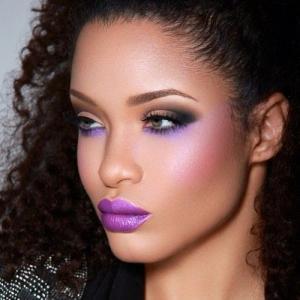Pantone_Radiant_Orchid_Makeup_