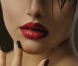 Red_Lipstick_Speaks_-This_Season`s_Sexiest_Look_