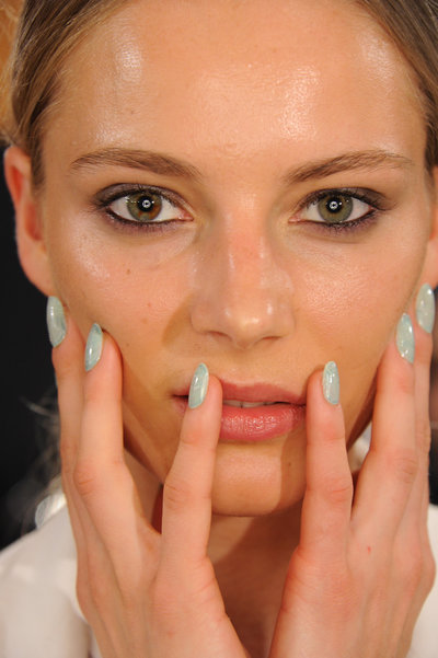 Fall Nails: Flirty, Girly Fun