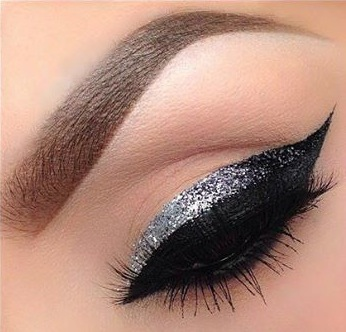 DIY Black and Silver Double-Decker Eyeliner