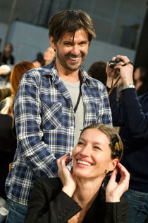 Guido gets ready to style Gisele's hair for the Alexander Wang show.