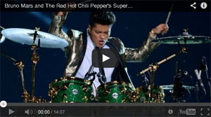 Bruno Mars dazzles the audience at the Superbowl