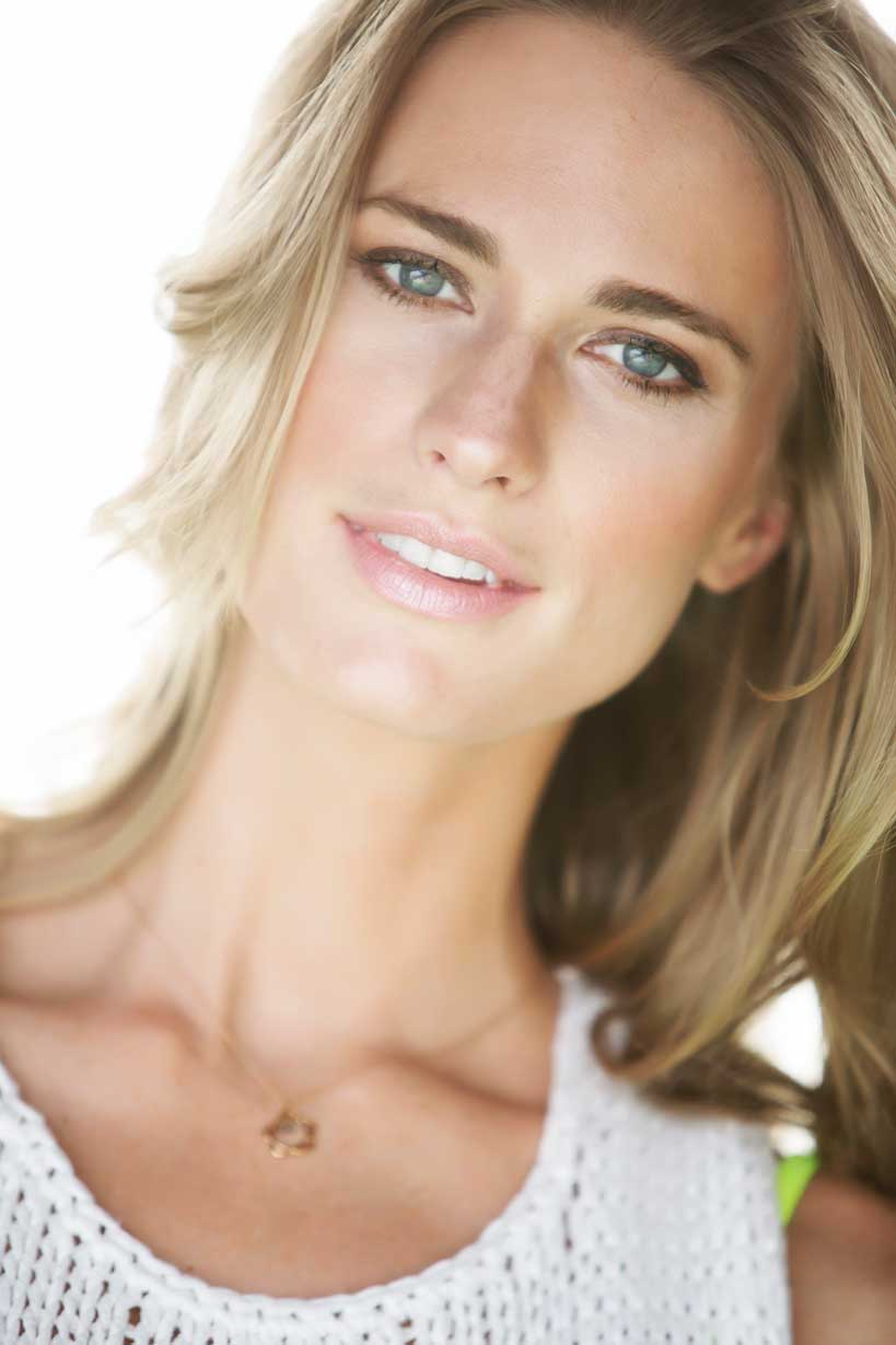 Get This Look! Seven-time Supermodel Julie Henderson