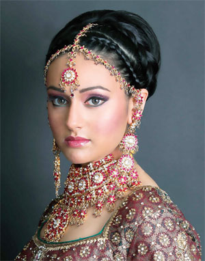 Top salons in India offer the same services as their American counterparts, as well as henna art, sari draping and special wedding makeup, which often includes elaborate eye designs, bindi marks and jewels placed in various designs right above the eyebrows.